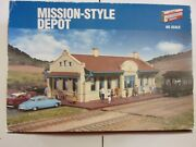 Cornerstone - Walthers  933-2920  Mission Style Depot  Nos Vintage