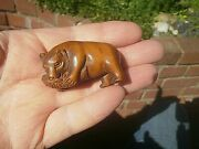 Hand Carved Wood Netsuke Bear Eating Fish Boxwood Collectable Figure ..2