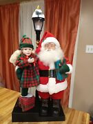 Vintage 1993 Holiday Creations Animated Santa With Girl And Lighted Lamp Post