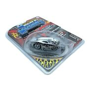 The Original Muscle Machines 1970 '70 Dodge Challenger Car Silver Flames 1/64