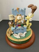 Garfield Music Box Plays Oh What A Beautiful Morning Danbury Mint 1994 Vintage