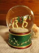 Horse Of A Different Color Pine Bundles Xmas Water Globe Deck The Halls Nos
