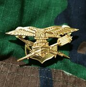 Philippines Navy Special Water Operations Parachute Airborne Parachutist Badge.