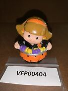 Fisher Price Little People Halloween Trick Or Treat Mom Girl Candy Rare Vfp00404