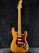 Used Fender Usa American Deluxe Stratocaster Scn Amber Maple 2004 Guitar