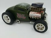 Muscle Machines 1/18 33 Ford Coupe Black Widow