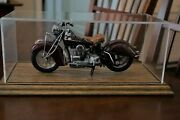 Franklin Mint Die Cast 1942 Indian 442 Motorcycle In 110 Scale