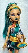 ☠️monster High Nefera De Nile First Wave Signature Doll Complete W/ Ring ☠️