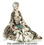 Statue Checkers Venetian The 700 In Porcelain Figure Decorative Of Female Girl