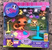 Littlest Pet Shop Magic Motion Baby Kitty Playtime Lps Cat Playset New