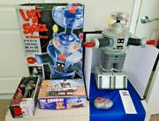 1998 Trendmasters Lost In Space 2 Ft. R/c Robot, The Chariot, Giant Pez And More