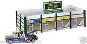Model Power 772 West End Shopping Center Lighted W/figures/truck Ho Mib
