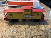 Lionel 6-29716 Union Pacific Extended Vision Caboose With Interior Lighting