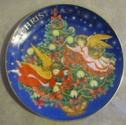 Limited Edition Avon Christmas Plate 22k Gold 1995 Trimming The Tree