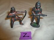 Lot Of 2 Vintage Barclay Lead Toy Figure Indian Kneeling Indian Standing