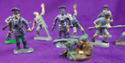 10 Vintage Hand Painted World War 2 Wwii German Nazi Gi Tin Lead Toy Soldiers