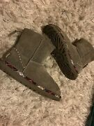 Uggs Size 7 Short Ankle Mid