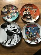 Disney Collector Plates Mickeyand Three Little Pigs Limited Edition New