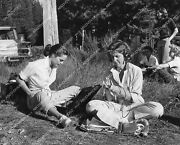 Crp-05277 1961 Candid Joyce Taylor And Virginia Stone Between Scenes Film Ring Of
