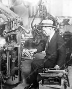 8b4-670 Candid Will Rogers At Typewriter And Old Printing Press Machine 8b4-670