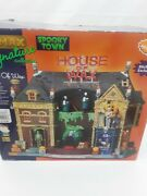 House Of Wax - Lemax Spooky Town 2009 - Signature Collection Michaels Exclusive