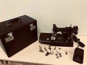 Sewing Machine Singer Featherweight 221-1 In Outstanding Condition