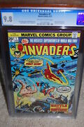 Invaders 1 Cgc 9.8 1975 Captain America Avengers Look At Centering B12 776 Cm