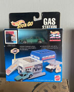 Hot Wheels '82 1982 Toyota Supra Green Sto And Go Gas Station Auto Service Playset