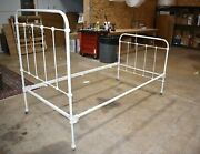 Antique Victorian Iron Bed, Twin Size White