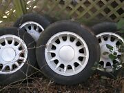4 Ford Crown Victoria 98 99 2000 2001 2002 16 Oem Wheels Rims With Caps