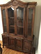Bernhardt / Hibriten Vintage Dining Room Set With Cabinet, Table And 6 Chairs