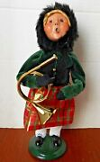 Byers Choice The Carolers Young Girl With Horn 2015 Figure 10