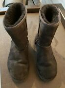 Gently Used Size 7 Girl's Ugg's Uggs Ugg Black Color Free Shipping