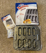Hostess Twinkies Bake Set Includes Baking Pan + Pastry Bag + Recipe Booklet New