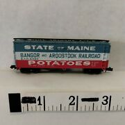 N Scale Freight Car 40' Box Wood Bar Bangor And Aroostook Red And Blue Bachmann Exc