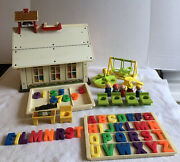 Vintage Fisher Price Little People Play Family School 923 Near Complete Letters
