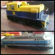 Ho Scale Baltimore And Ohio Locomotive And Passenger Cars + Sante Fe Engine 5