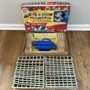 Vintage 1966 Kenner Give-a-show Projector With 31 Slides No. 507 Rare Tested Vgc