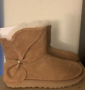 Womens Uggs Size 7