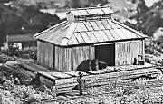 Campbell Scale Models 127 O Freight Storage Shed