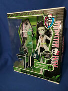 New In Box Monster High Doll Scarah Screams 3 Gore-geous Outfits Retired 2013