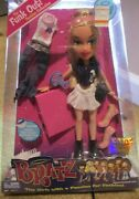 Bratz 2004 Toy Of The Year Funk Out Cloe New In Box Very Hard To Find