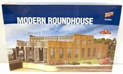 Walthers 933-2900 Ho Modern Roundhouse Kit