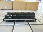 Athearn Illinois Central Powered Engine Ho Scale ////