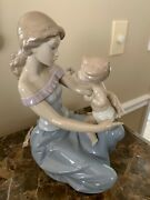 Lladro One For You One For Me 6705 Mother And Child, Baby Feeds Mom Mint