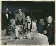 1957 Press Photo Brooks Stevens Chats With Guests At Dinner Party - Mjc27287