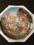 """M.j. Hummel """"apple Tree Boy And Girl"""" Decorative Plate Limited Edition"""
