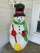 Vintage Christmas 39 Frosty The Snowman Lighted Blow Mold Green Scarf Excellent