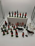 Lot Vtg Britains Ltd British Infantry Plastic Toy Soldiers Army Horses Military