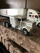 Eligor Kenworth W900 W/sleper And 40ft Flatbed And Cascadia freightliner 1/43
